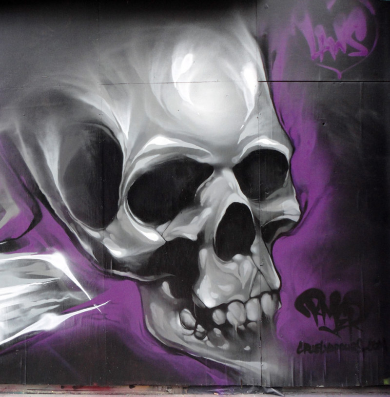 rmer-skull-grafffiti-london