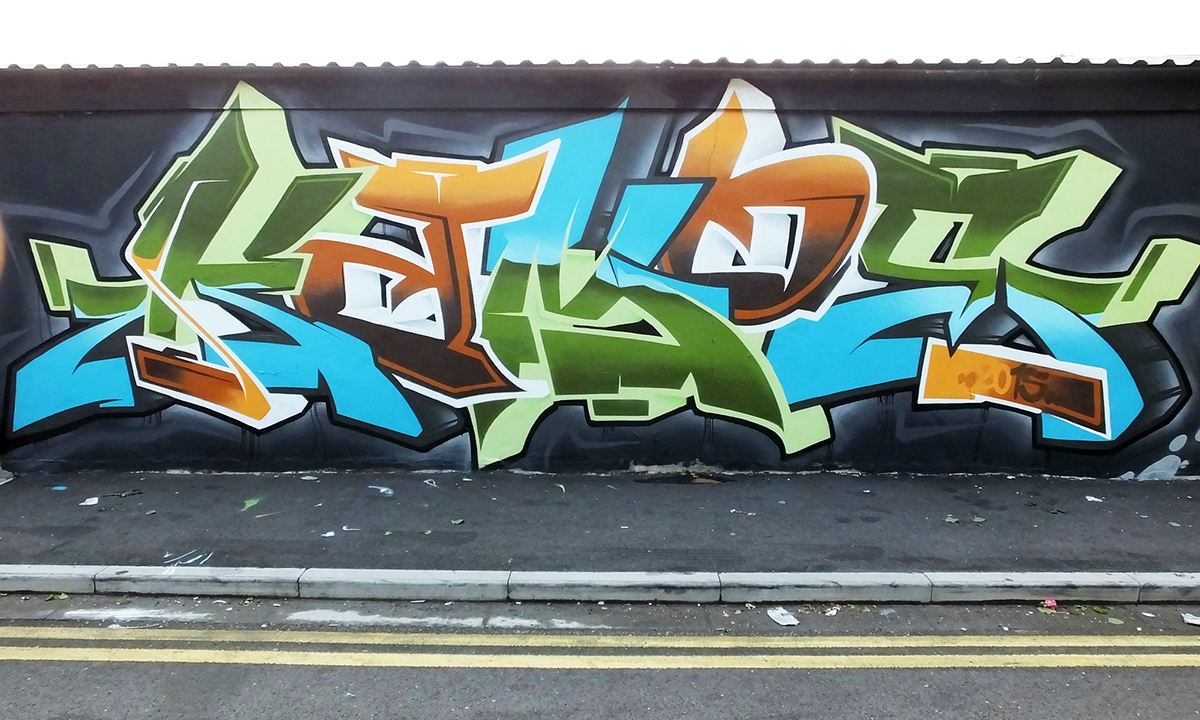 colours-hoxe-rmer-amoe-cardiff-graffiti-art-murals